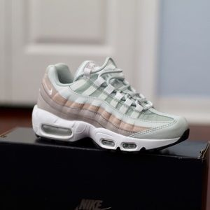 NWT Nike Air Max 95 Sneakers Sz 6.5